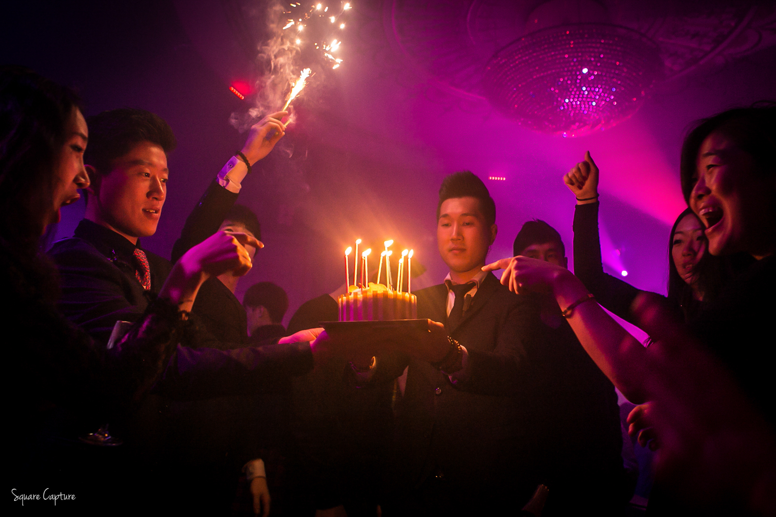 birthday-in-the-club-photography